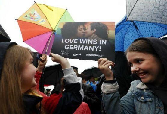 Resultado de imagen para Aprobaron matrimonio homosexual en Alemania