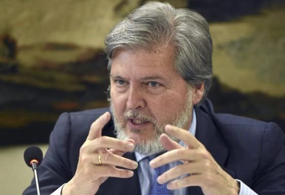 Gobierno español califica de 'intolerables' palabras de Maduro