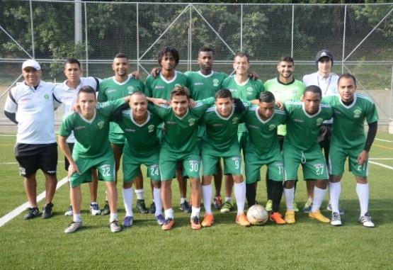 Futbolistas sin contrato esperan poruna nueva oportunidad