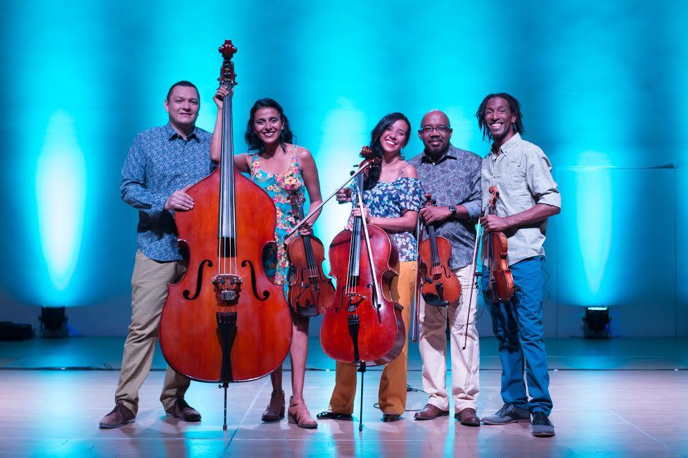 Babalú Cuba sobre cuerdas