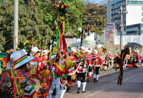 Gran Parada celebra 50 años en el Carnaval de Barranquilla