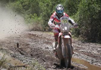Joan Barreda arrasó en la tercera etapay asumió el liderato de las motos en el Dakar