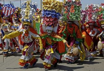 Con 'Batalla de Flores', Barranquilla comienza cuatro días de Carnaval