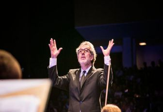 Adrián Chamorro,un tejedor de música