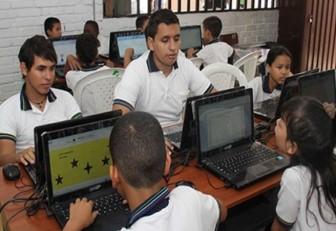 22.000 computadores fueron reciclados para colegios públicos en 2016