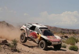 Loeb y Sunderland superaron todos los escollos en la quinta etapa del Dakar