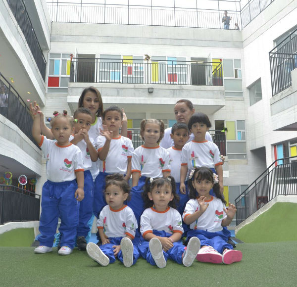 Hoy la comuna 3 recibe el jard n infantil buen comienzo for Cascanueces jardin infantil medellin