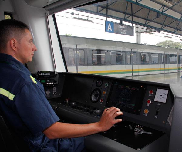 Mintrabajo formaliza a conductores del Metro