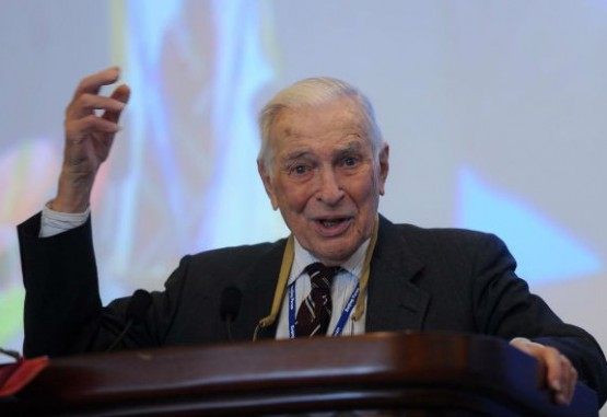 Falleció influyente economista y ganador del Nobel, Kenneth Arrow