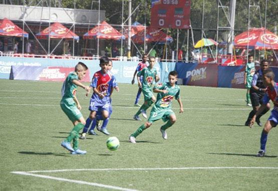 Iván Champeta Velásquez hace presencia en elPonyfútbol con un equipo de Ibagué