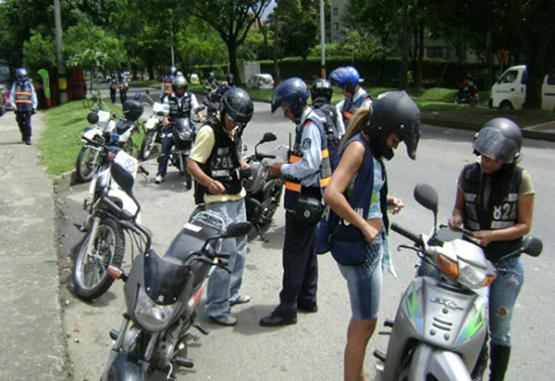 Gobernador de Antioquia propuso que los motociclistas paguen peaje