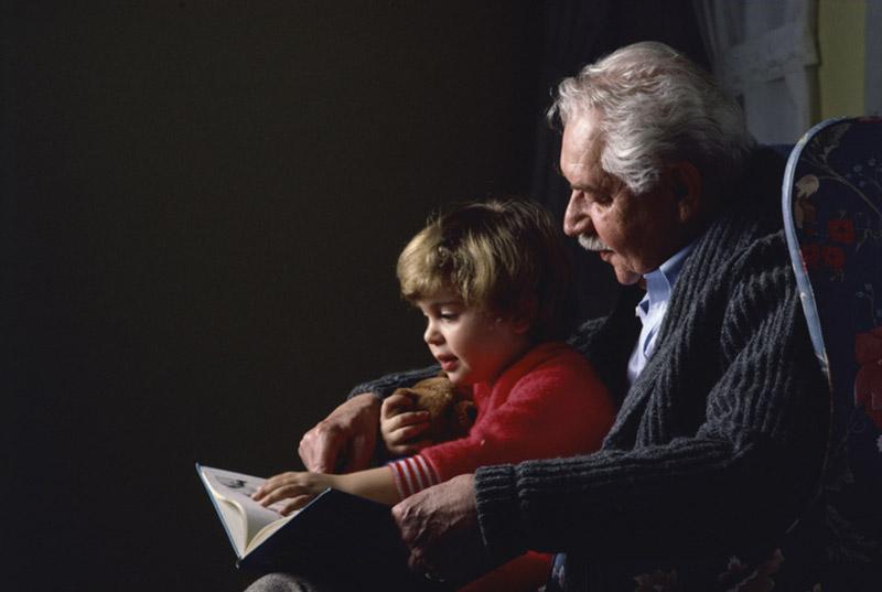 Abuelos cuenta cuentos