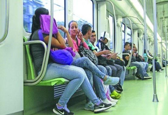 El metro le dice no al vagón exclusivo para mujeres
