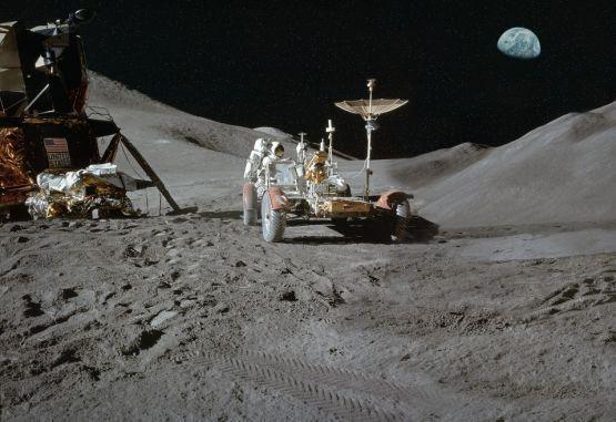 Científicos hallan nuevas evidencias de agua en la Luna | El Mundo