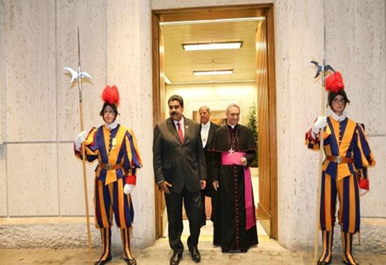 Maduro se reúne con el papa Francisco para hablar sobre situación del país