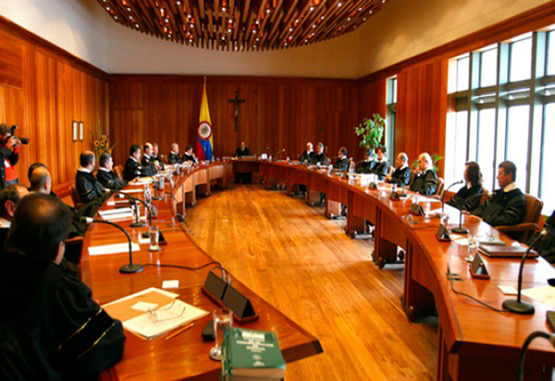 """Corte Constitucional da vía libre al """"Fast Track"""""""