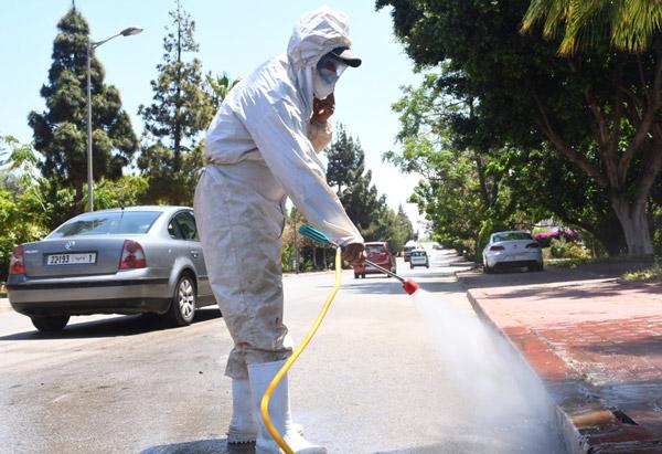 Desinfección de calles en Marruecos