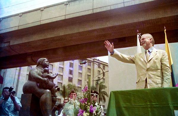 inauguración de la plaza botero en Medellín