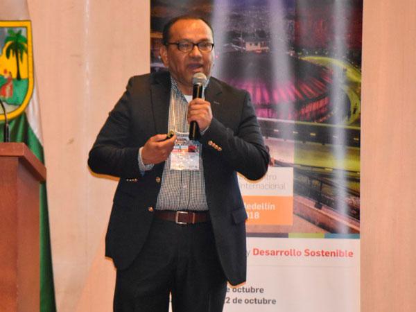 Guillermo Echeverri, decano de la Escuela de Educación y Pedagogía de UPB.