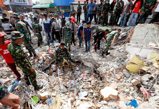 94 muertos dejó terremoto de magnitud 6,5 enIndonesia