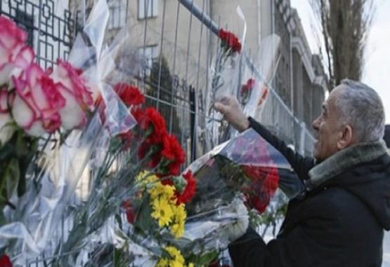 Rusia rinde homenaje a las víctimas del avión Tu-154