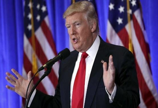 Donald Trump recrudece sus ataques a días de su investidura