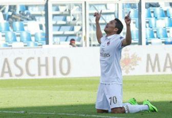 Momento de la celebración de Carlos Bacca luego del gol ante Sassuolo.
