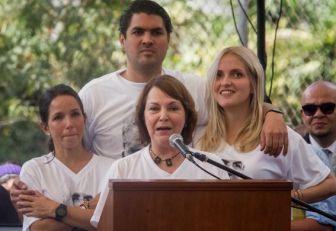 Ledezma exhorta a liberar presos políticos