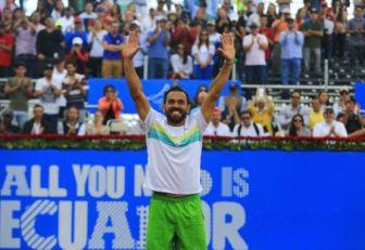 Víctor Estrella logró tricampeonato en Quito