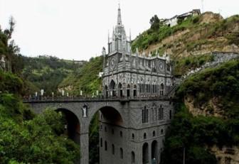 El Santuario de Las Lajas, una maravilla al borde de un abismo