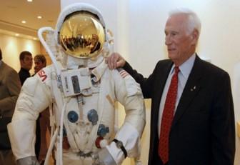 Muere a los 82 años Gene Cernan, el último hombre que pisó la Luna